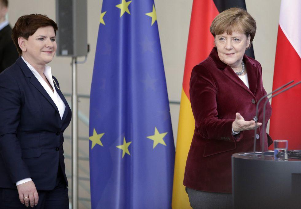 La canciller Merkel y la primera ministra Beata Szydlo.