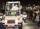 El Papa Francisco llega a la Nunciatura Apostólica.