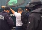 Los policías arrestan al presunto líder regional del cartel de los Zetas, Josele Márquez 'el Chichi', señalado como autor intelectual del asesinato de la comunicadora Anabel Salazar.