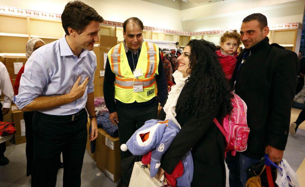 Justin Trudeau recibe en diciembre a refugiados sirios.