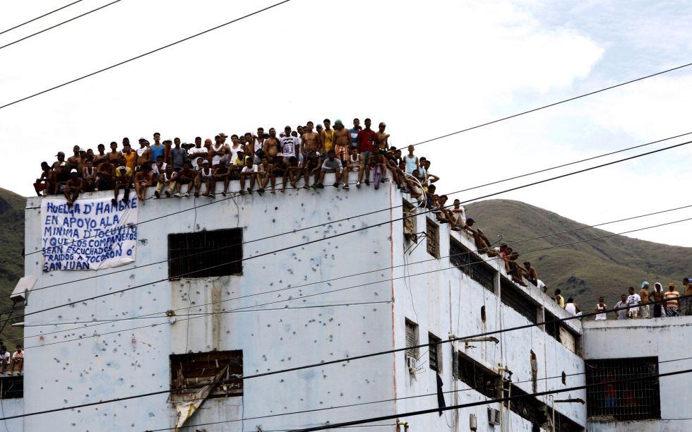 Presos de la cárcel de Aragua en huelga de hambre, en 2011.