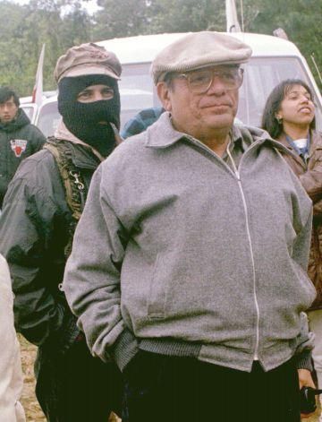 Samuel Ruiz y el subcomandante Marcos en Chiapas en 1996.