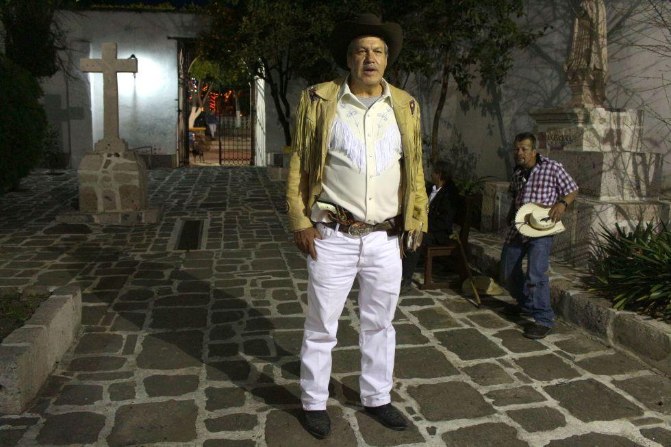 Alfredo Gallegos, el Padre Pistolas