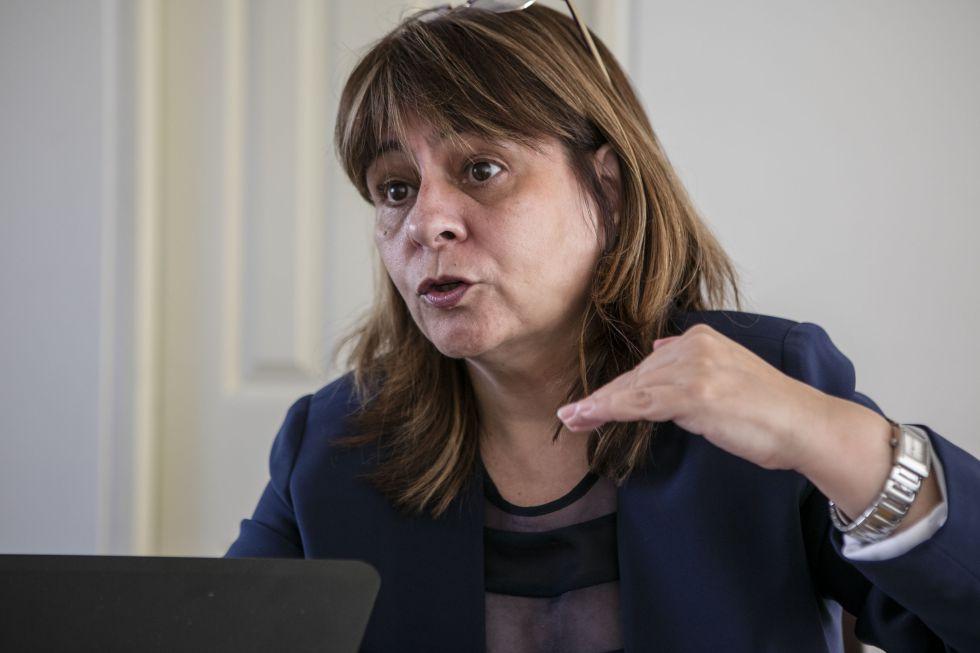 Graciela Bevacqua, exdirectora técnica del Instituto de Estadística de Argentina, en su piso de Buenos Aires.