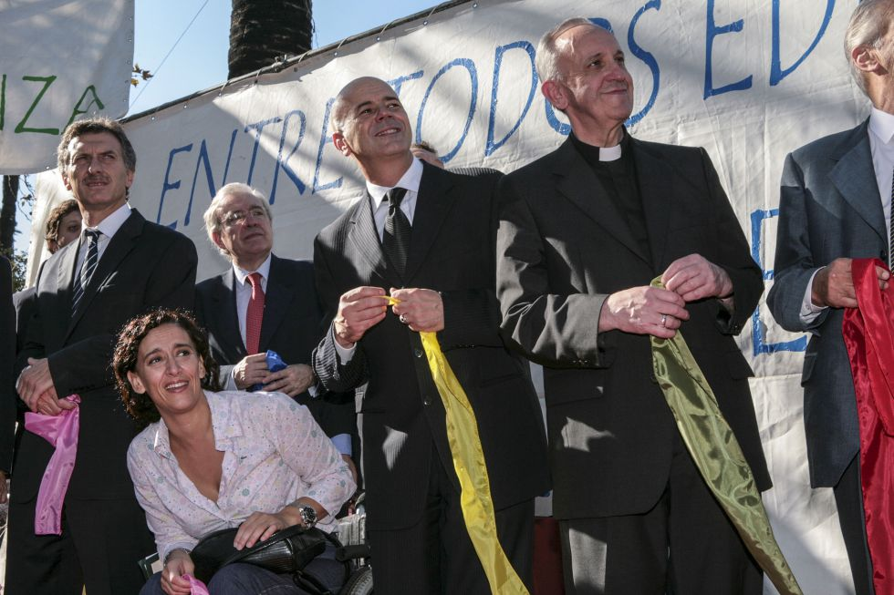 Mauricio Macri, a la izquierda, cuando era candidato a alcalde de Buenos Aires en 2007, en un acto con el entonces arzobispo Jorge Bergoglio.