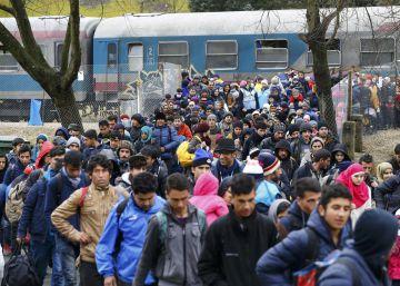 Bruselas avisa de que limitar la entrada de asilados es ilegal