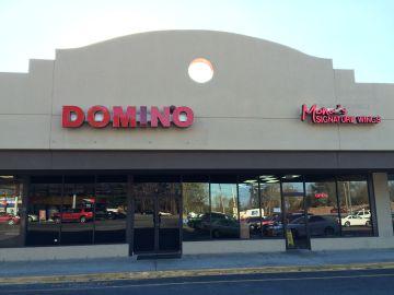 La entrada del bar Domino