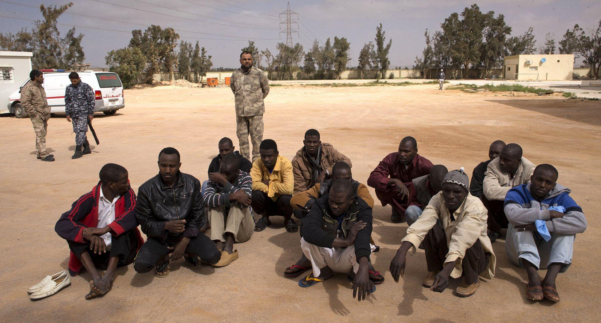 Libia. Internacionalismo proletario frente a apoyo a bandos capitalistas. - Página 10 1456430911_091109_1456431133_noticia_normal_recorte1