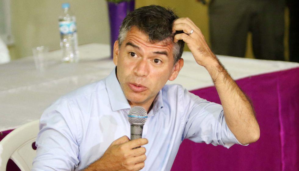 El candidato presidencial peruano Julio Guzmán.