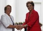 Enfraquecidas em seus países, Dilma e Bachelet trocam forças