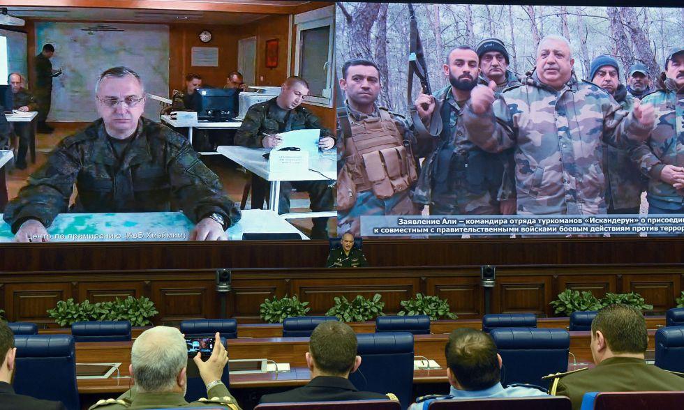 El mando de las Fuerzas Armadas rusas mantiene una conferencia con efectivos en el exterior, este sábado en Moscú.