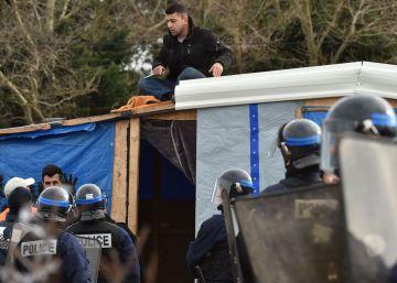 Bruselas prepara un plan de ayuda urgente para los migrantes bloqueados
