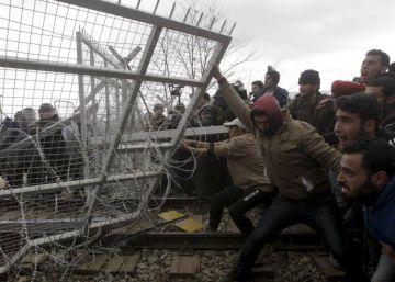 La UE destina 700 millones de euros en tres años a su primera crisis humana