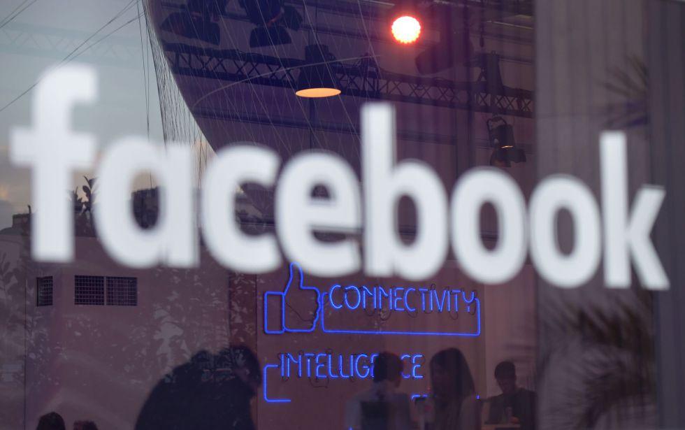 El logo de Facebook en Berlín en febrero pasado.