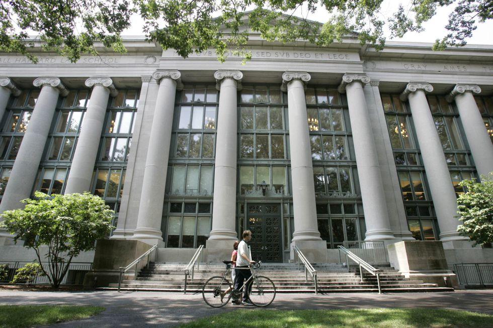 Uno de los edificios de la Universidad de Harvard, en Cambridge (EE UU).