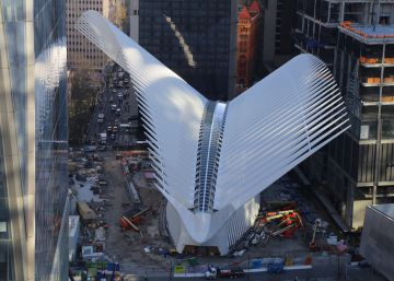 La estación de Calatrava abre al público de una manera discreta