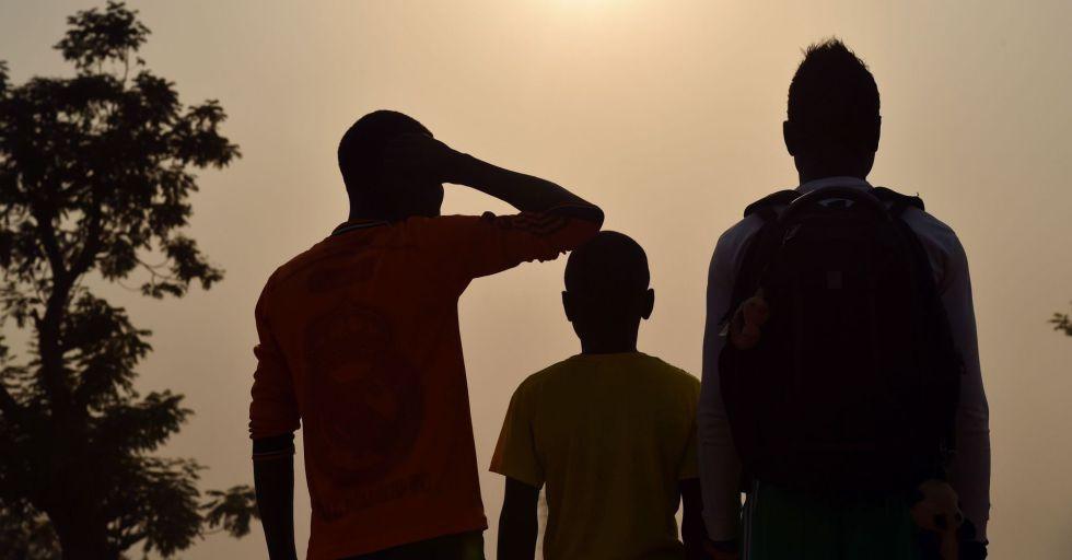Tres presuntas víctimas de los abusos en República Centroafricana, desplazados en el campo de Mpoko, en Bangui