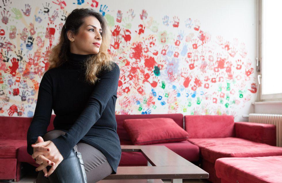La iraní Somayeh Zarifie en el centro de refugiados de Berlín donde vive.