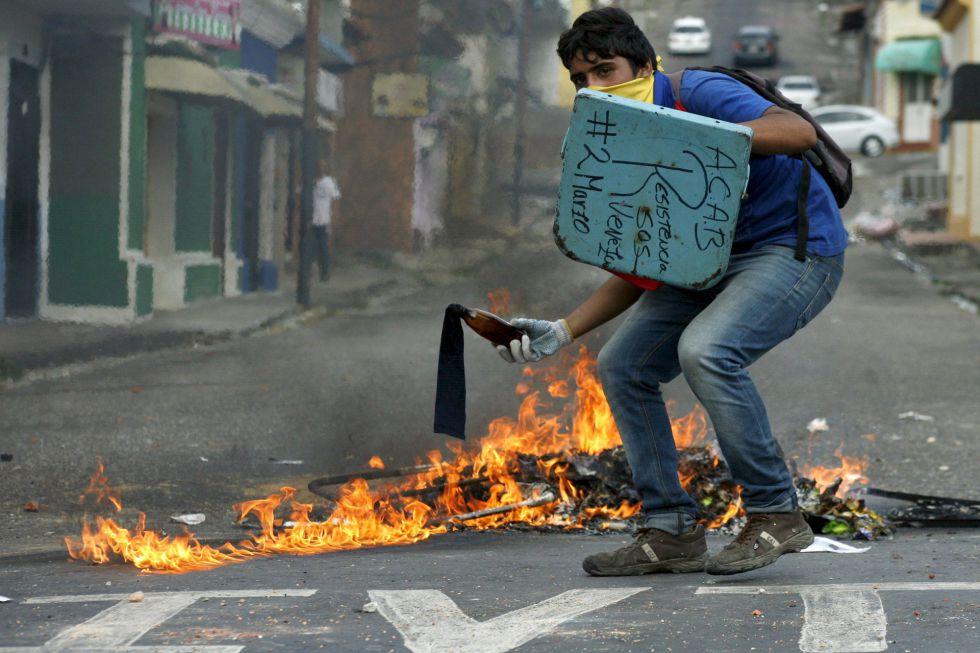 Protesta contra el presidente Maduro en San Crsitóbal.