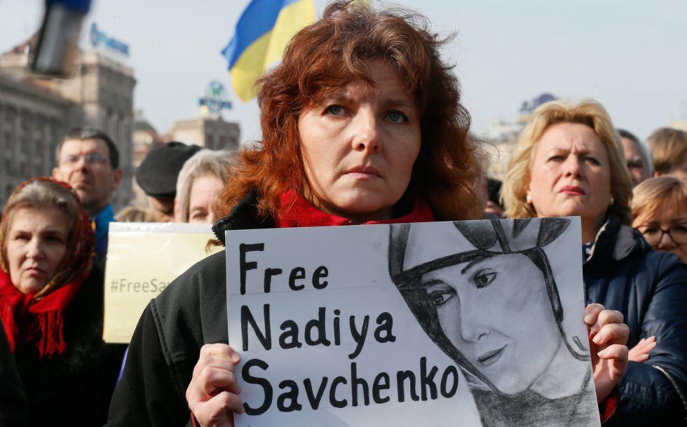 Protesta el domingo en Kiev para pedir la liberación de Sávchenko.