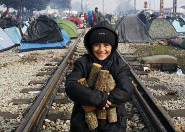 Macedonia cierra su frontera con Grecia y bloquea la ruta de los Balcanes