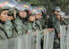 Las fuerzas armadas retoman el control ante los familiares