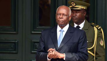 Eduardo Dos Santos, Presidente de Angola