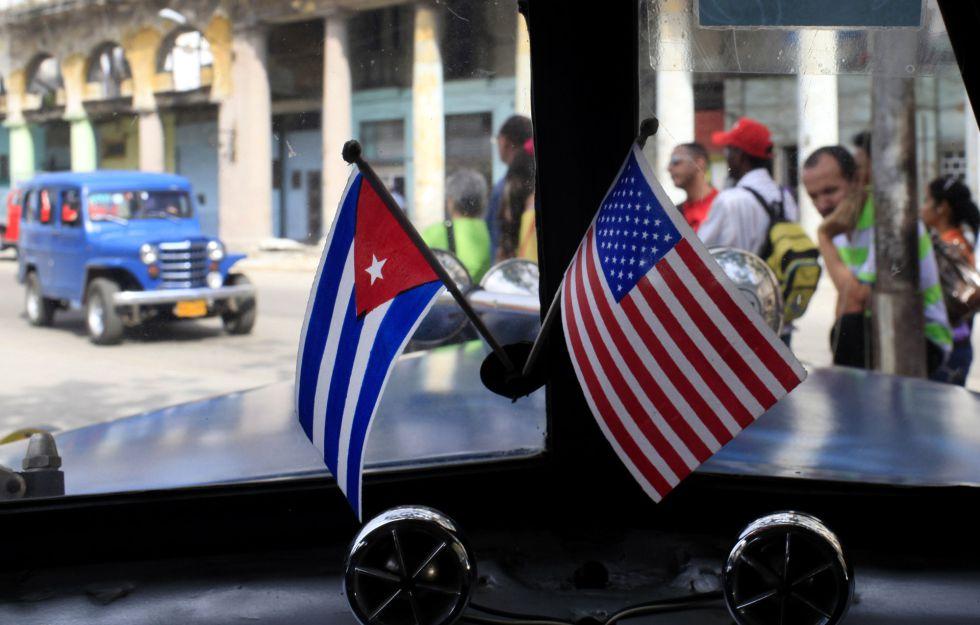 Un coche clásico en las calles de La Habana.