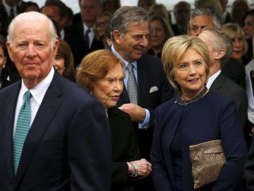 James Baker, Rosalyn Carter y Hillary Clinton.