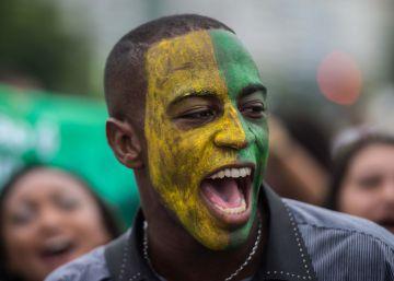 Las protestas más multitudinarias de la democracia ponen contra las cuerdas a Rousseff