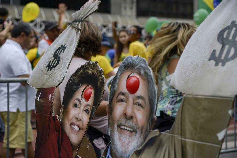 Protestas por las calles de Sao Paulo.