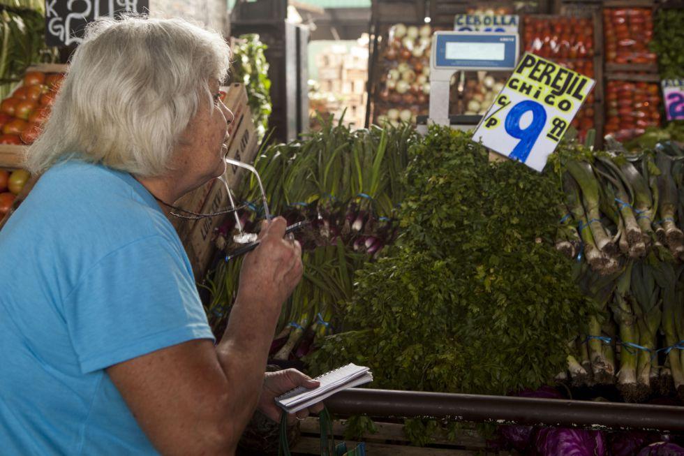 Los argentinos miden su propio índice inflacionario.