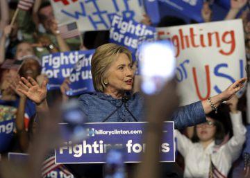 Hillary Clinton amplía su ventaja al atraer a la clase trabajadora blanca