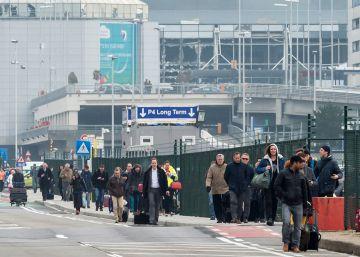 Atentados en Bruselas: al menos 30 muertos en el aeropuerto y el metro
