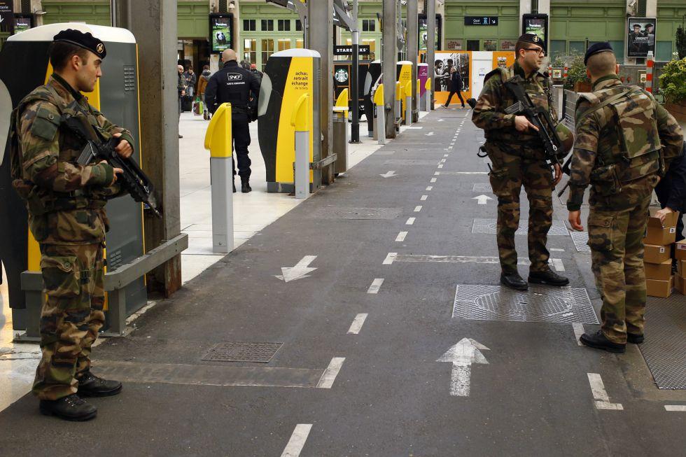 Controles policiales en la estación de Lyon