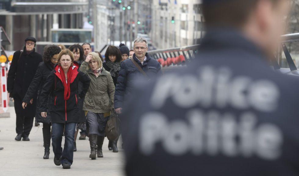 Los empleados de las instituciones europeas abandonan los edificios