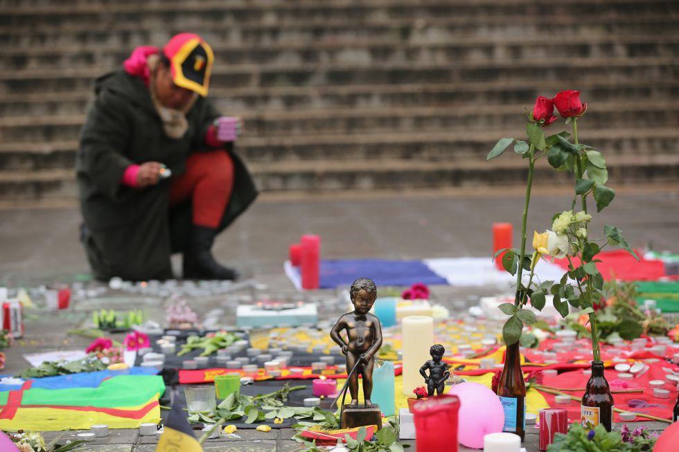 Homenaje a las víctimas en la plaza de la Bolsa este miércoles en Bruselas.