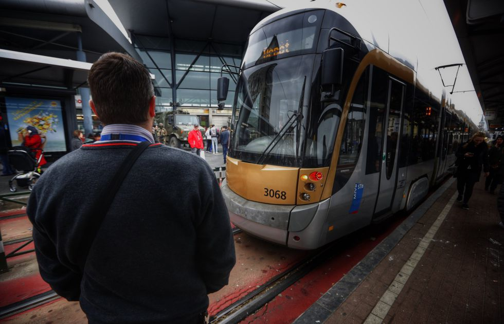 El conductor del metro de Bruselas que circulaba detrás del vehículo que sufrió el atentado en la estación de Maelbeek.