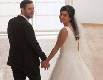 Lars Waetzmann junto a Jennifer García Scintu, el día de su boda.