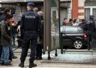 Brechas legais permitem a terroristas obter armas na Europa