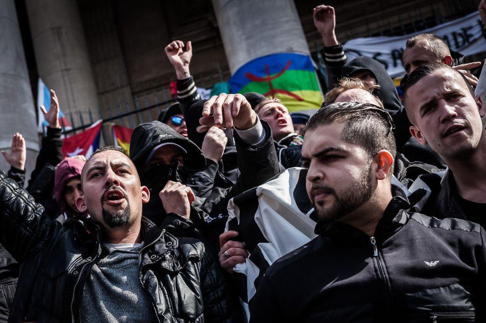 Un grupo de ultras boicotea el homenaje a las víctimas del ataque.
