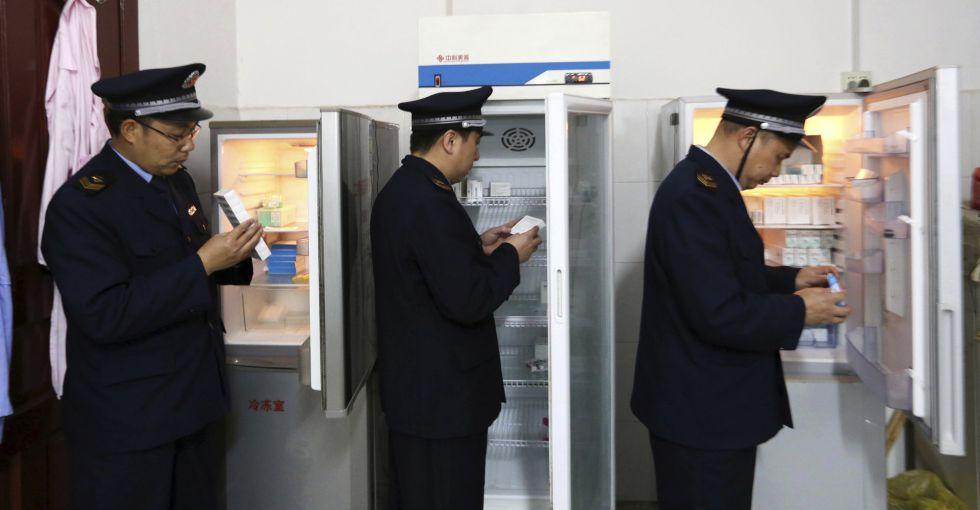 La Administración China para la Alimentación y los Medicamentos en un operativo en la región de Zhuang, el pasado 21 de marzo