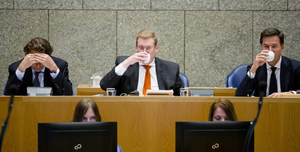 El ministro holandés de Justicia, Ard van der Steur, en el debate parlamentario sobre los atentados.
