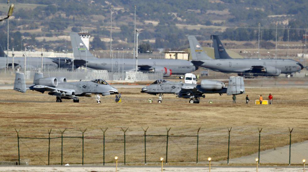 Cazas estadounidenses en la base turca de Incirlik a finales de 2015