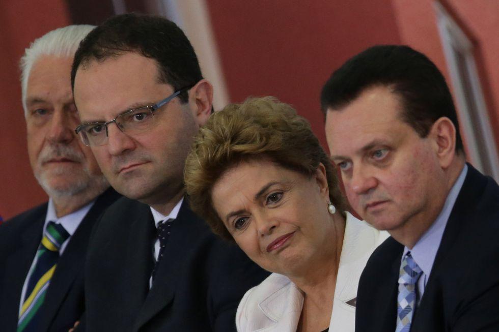 Dilma Rousseff junto con el ministro de economía el miércoles.