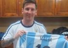 Messi regala a las hijas de Obama dos camisetas de Argentina