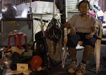 Sem aposentadorias, a maioria dos idosos de Hong Kong trabalham
