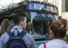 Desde hoy, los argentinos pagan el doble para viajar en bus y en tren