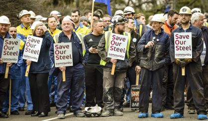 Trabajadores de Tata se manifiestan en Port Talbot.