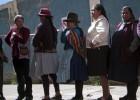 Voto eletrônico gera caos em várias seções eleitorais no Peru